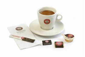 Tassen en ondertassen - Grootmoeders Koffie
